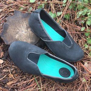 [Teva] Niyama Slip-On Waterproof Leather Flat